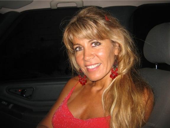Femme cougar blonde de Genève